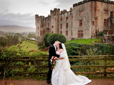 Muncaster Castle wedding, Laura & Andy